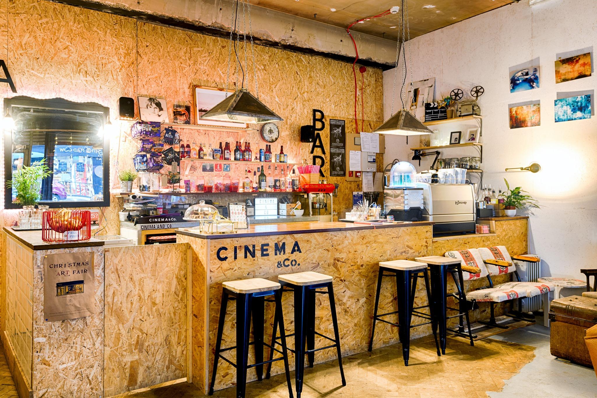 Cinema&Co Bar
